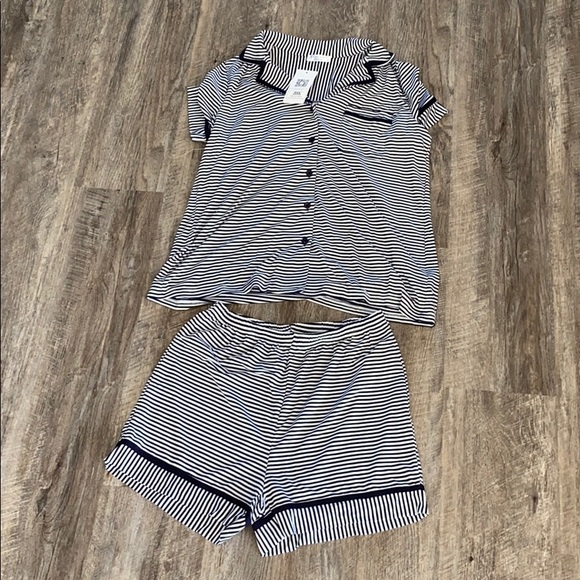 Ekouaer Other - Black & White Striped Lounge Shorts & Button Top